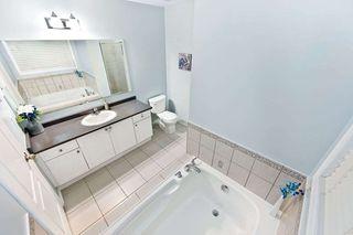 Photo 11: 18 Sussexvale Drive in Brampton: Sandringham-Wellington House (2 1/2 Storey) for sale : MLS®# W4779171
