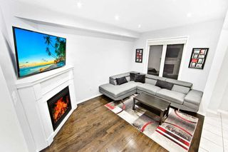 Photo 5: 18 Sussexvale Drive in Brampton: Sandringham-Wellington House (2 1/2 Storey) for sale : MLS®# W4779171