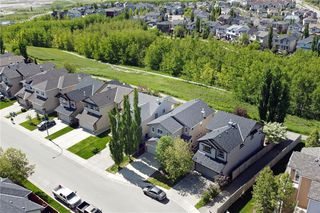 Photo 2: 471 CHAPARRAL RIDGE Circle SE in Calgary: Chaparral Detached for sale : MLS®# C4300211