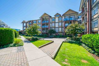 """Photo 21: 178 20180 FRASER Highway in Langley: Langley City Condo for sale in """"Paddington Station"""" : MLS®# R2481629"""