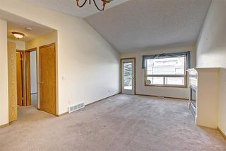 Photo 5: 206 SOMERVALE Point SW in Calgary: Somerset Row/Townhouse for sale : MLS®# A1019042