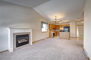 Photo 3: 206 SOMERVALE Point SW in Calgary: Somerset Row/Townhouse for sale : MLS®# A1019042