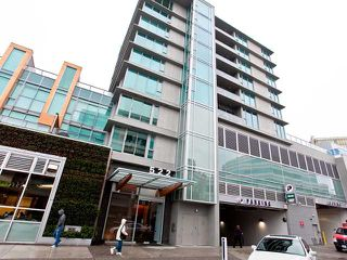 "Photo 1: 401 522 W 8TH Avenue in Vancouver: Fairview VW Condo for sale in ""CROSSROADS"" (Vancouver West)  : MLS®# V855935"