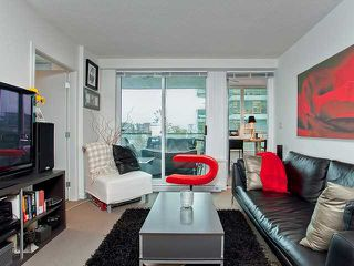 "Photo 2: 401 522 W 8TH Avenue in Vancouver: Fairview VW Condo for sale in ""CROSSROADS"" (Vancouver West)  : MLS®# V855935"