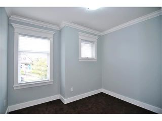 Photo 8: 1370 E 13TH Avenue in Vancouver: Grandview VE House 1/2 Duplex for sale (Vancouver East)  : MLS®# V856912
