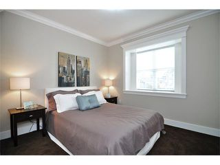 Photo 7: 1370 E 13TH Avenue in Vancouver: Grandview VE House 1/2 Duplex for sale (Vancouver East)  : MLS®# V856912