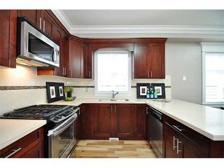 Photo 4: 1370 E 13TH Avenue in Vancouver: Grandview VE House 1/2 Duplex for sale (Vancouver East)  : MLS®# V856912