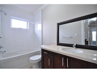 Photo 10: 1370 E 13TH Avenue in Vancouver: Grandview VE House 1/2 Duplex for sale (Vancouver East)  : MLS®# V856912