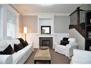 Photo 2: 1370 E 13TH Avenue in Vancouver: Grandview VE House 1/2 Duplex for sale (Vancouver East)  : MLS®# V856912