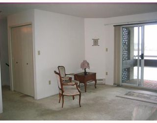 """Photo 3: 204 3 K DE K Court in New_Westminster: Quay Condo for sale in """"QUAYSIDE TERRACE"""" (New Westminster)  : MLS®# V759422"""