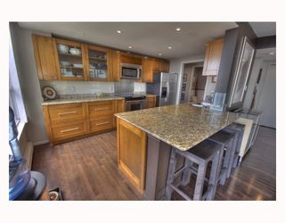"""Photo 5: 2003 717 JERVIS Street in Vancouver: West End VW Condo for sale in """"EMERALD WEST"""" (Vancouver West)  : MLS®# V768413"""