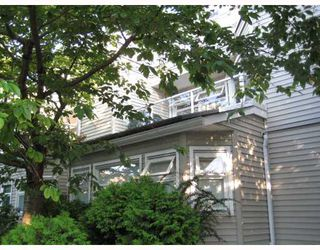 Photo 3: 103 1707 YEW Street in Vancouver: Kitsilano Townhouse for sale (Vancouver West)  : MLS®# V774474