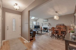 Photo 2: 11769 N WILDWOOD Crescent in Pitt Meadows: South Meadows House for sale : MLS®# R2402754