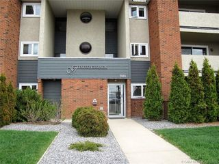 Main Photo: 202 7031 Gray Drive in Red Deer: RR Glendale Residential Condo for sale : MLS®# CA0183870