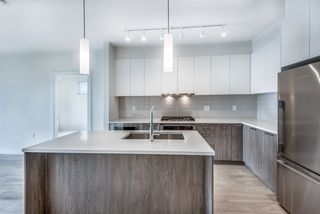 Photo 1: 101 625 E 3RD Street in North Vancouver: Lower Lonsdale Condo for sale : MLS®# R2428141