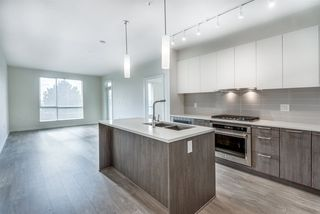 Photo 2: 101 625 E 3RD Street in North Vancouver: Lower Lonsdale Condo for sale : MLS®# R2428141