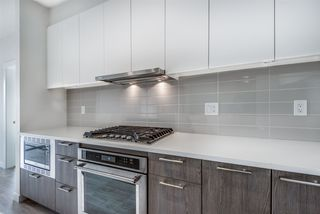 Photo 4: 101 625 E 3RD Street in North Vancouver: Lower Lonsdale Condo for sale : MLS®# R2428141