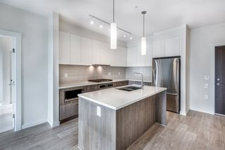 Photo 3: 101 625 E 3RD Street in North Vancouver: Lower Lonsdale Condo for sale : MLS®# R2428141