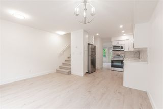 """Photo 5: 15 15488 101A Avenue in Surrey: Guildford Townhouse for sale in """"Cobblefield Lane"""" (North Surrey)  : MLS®# R2449529"""