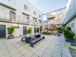 Photo 4: 211 626 ALEXANDER STREET in Vancouver: Strathcona Condo for sale (Vancouver East)  : MLS®# R2445755