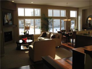 Photo 2: 137 Marine Drive in Winnipeg: Residential for sale : MLS®# 1000013