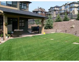 Photo 17: 38 Spring Valley Place SW in CALGARY: Springbank Hill Residential Detached Single Family for sale (Calgary)  : MLS®# C3412441