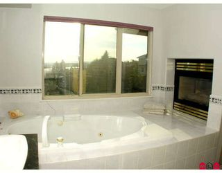 """Photo 10: 34764 PAKENHAM Place in Mission: Mission BC House for sale in """"RIVER BEND ESTATES"""" : MLS®# F2901312"""