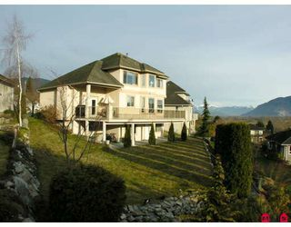"""Photo 1: 34764 PAKENHAM Place in Mission: Mission BC House for sale in """"RIVER BEND ESTATES"""" : MLS®# F2901312"""