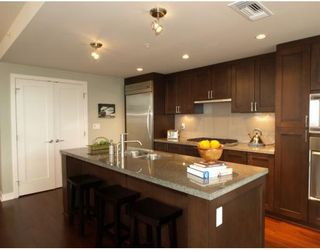 "Photo 3: 101 3595 W 18TH Avenue in Vancouver: Dunbar Townhouse for sale in ""DUKE ON DUNBAR"" (Vancouver West)  : MLS®# V751304"