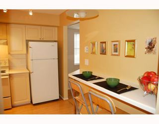 """Photo 5: 25 788 W 15TH Avenue in Vancouver: Fairview VW Townhouse for sale in """"16 WILLOWS"""" (Vancouver West)  : MLS®# V756826"""