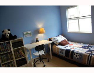 """Photo 7: 25 788 W 15TH Avenue in Vancouver: Fairview VW Townhouse for sale in """"16 WILLOWS"""" (Vancouver West)  : MLS®# V756826"""