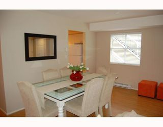 """Photo 3: 25 788 W 15TH Avenue in Vancouver: Fairview VW Townhouse for sale in """"16 WILLOWS"""" (Vancouver West)  : MLS®# V756826"""