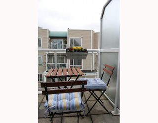 """Photo 9: 25 788 W 15TH Avenue in Vancouver: Fairview VW Townhouse for sale in """"16 WILLOWS"""" (Vancouver West)  : MLS®# V756826"""