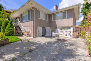 Photo 17: 1672 SPRICE Avenue in Coquitlam: Central Coquitlam House for sale : MLS®# R2389910