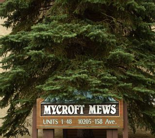 Photo 2: 38 10205 158 Avenue in Edmonton: Zone 27 Townhouse for sale : MLS®# E4167206