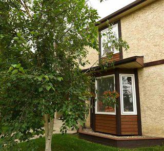 Photo 1: 38 10205 158 Avenue in Edmonton: Zone 27 Townhouse for sale : MLS®# E4167206