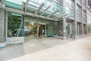 "Photo 2: 4007 1283 HOWE Street in Vancouver: Yaletown Condo for sale in ""The Tate Downtown"" (Vancouver West)  : MLS®# R2403881"