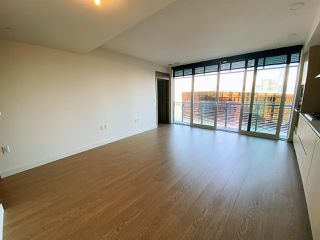 """Photo 4: 2006 89 NELSON Street in Vancouver: Yaletown Condo for sale in """"THE ARC"""" (Vancouver West)  : MLS®# R2415689"""