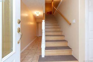Photo 3: 554 Selwyn Oaks Place in VICTORIA: La Mill Hill Single Family Detached for sale (Langford)  : MLS®# 420538