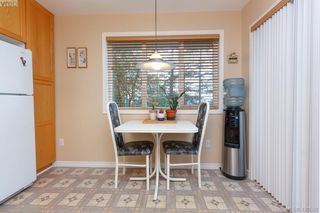 Photo 12: 554 Selwyn Oaks Place in VICTORIA: La Mill Hill Single Family Detached for sale (Langford)  : MLS®# 420538