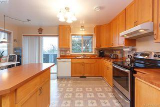 Photo 8: 554 Selwyn Oaks Place in VICTORIA: La Mill Hill Single Family Detached for sale (Langford)  : MLS®# 420538