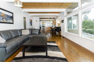 Photo 4: 526 SOMERSET Street in North Vancouver: Upper Lonsdale House for sale : MLS®# R2434481