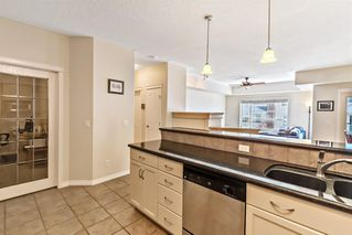 Photo 10: 233 30 Sierra Morena Landing SW in Calgary: Signal Hill Apartment for sale : MLS®# A1048422