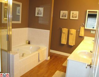 """Photo 8: 98 9208 208TH Street in Langley: Walnut Grove Townhouse for sale in """"CHURCHILL PARK"""" : MLS®# F1002251"""