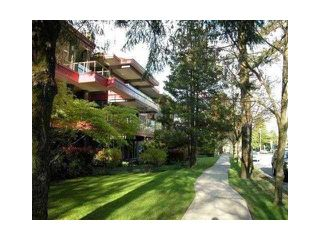 """Photo 1: 108 4951 SANDERS Street in Burnaby: Forest Glen BS Condo for sale in """"MAPLE GLADE"""" (Burnaby South)  : MLS®# V848172"""
