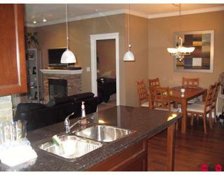 """Photo 10: 208 33338 MAYFAIR Avenue in Abbotsford: Central Abbotsford Condo for sale in """"The Sterling"""" : MLS®# F2823530"""