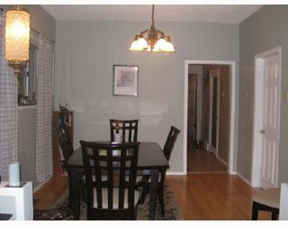 Photo 3: 866 ALFRED Avenue in WINNIPEG: North End Residential for sale (North West Winnipeg)  : MLS®# 2808279