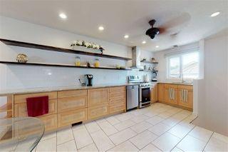 Photo 2: 3428 60 Street in Edmonton: Zone 29 House for sale : MLS®# E4169025