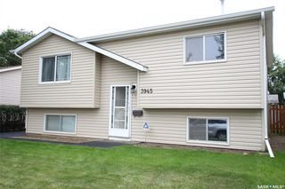 Photo 1: 3945 Diefenbaker Drive in Saskatoon: Pacific Heights Residential for sale : MLS®# SK783352