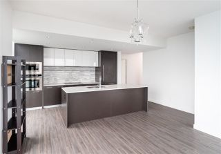 Photo 9: 2404 8031 NUNAVUT Lane in Vancouver: Marpole Condo for sale (Vancouver West)  : MLS®# R2434597